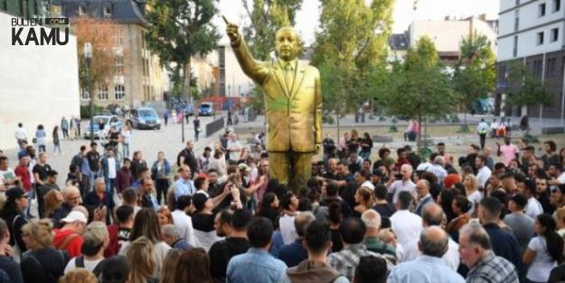 Son Dakika: Erdoğan'ın Almanya'daki Heykeli Kaldırıldı
