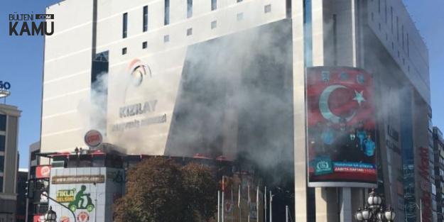 Ankara Kızılay Alışveriş Merkezi'nde Yangın Çıktı