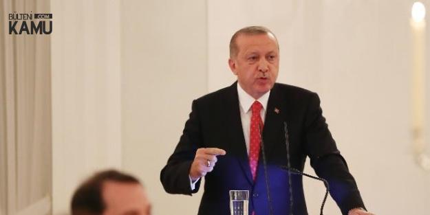 Cumhurbaşkanı Erdoğan'dan Sert Tepki : Almanya'da Ellerini Kollarını Sallayarak Dolaşıyorlar