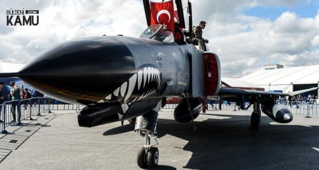 Kenan Sofuoğlu F-16, THY Uçağı ve Formula 1 Aracı ile Yarıştı