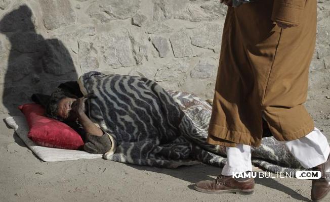 Afganistan'da Evsiz Uyuşturucu Bağımlıları Sokakta Vuruldu
