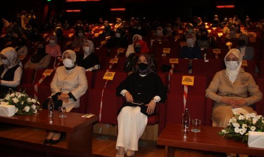 """AK Parti Kadın Kollarından Konya'da """"Kadınlarla Büyük Türkiye Yolunda"""" toplantısı"""