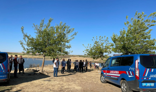 Baraj gölüne giren 3 kardeşten 2'si boğuldu