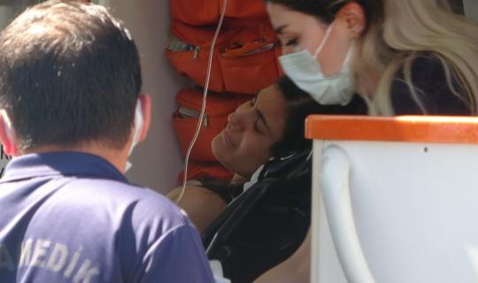 Denizde fenalık geçiren genç kadın, hastaneye kaldırıldı