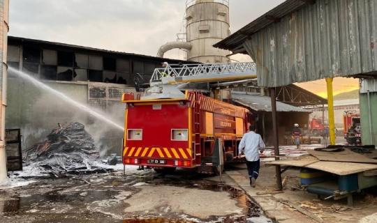 Kontrplak fabrikasında çıkan yangın korkuttu