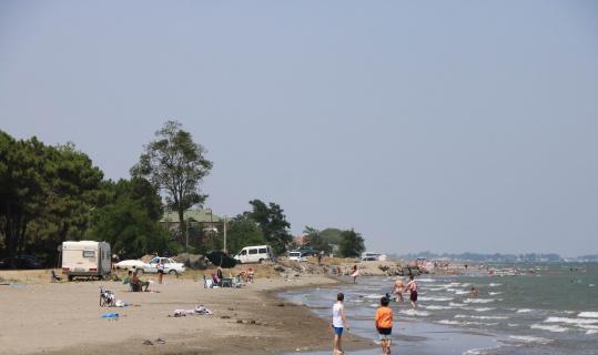 Samsunlular bayramın 2. gününü denize girerek geçirdi