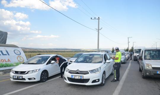 Uşak'ta 42 araç trafikten men edildi