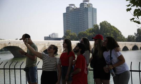 7 ülkeden 22 öğrenci Adana'ya geldi