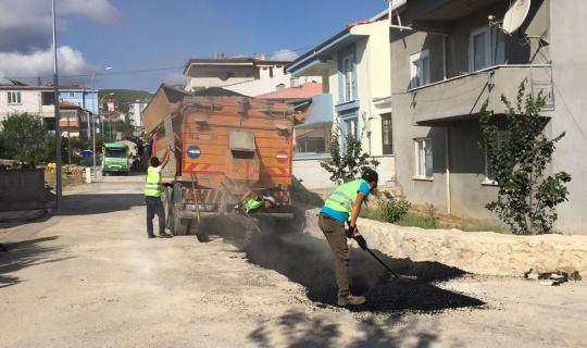 Asfalt onarım çalışmaları devam ediyor