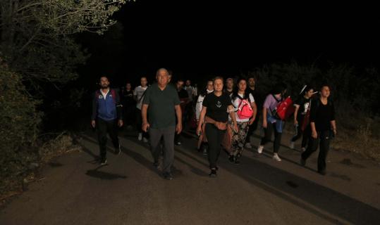 Başkan Atay ve belediye personelleri, zafer için yürüdü