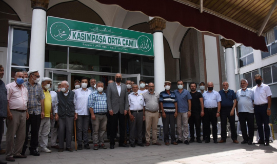 Başkan Bakkalcıoğlu aşure ikramına katıldı