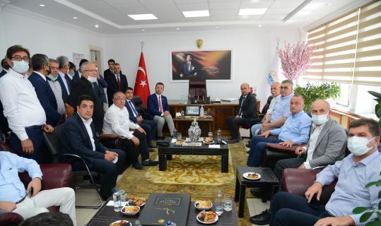 Ekicioğlu, CHP'li Belediye Başkanlarını ağırladı