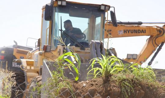 İsrail güçleri Filistinlilere ait 10 bin metrekarelik tarım arazisine zarar verdi