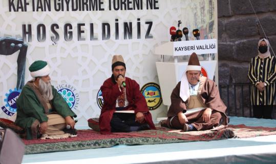Kayseri'de yılın ahileri kaftanlarını giydi