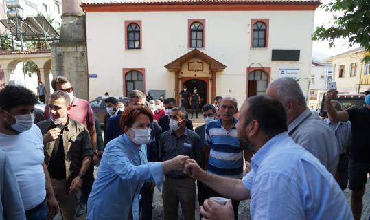 Meral Akşener, afet bölgesini ziyaret etti
