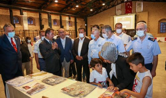 Meram'da şehit ve devlet büyüklerinin emanetleri sergileniyor