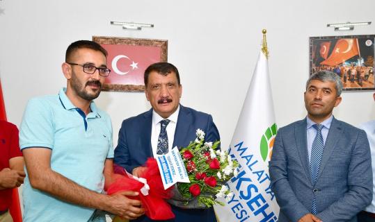 Minibüsçü ve servisçilerden Başkan Gürkan'a teşekkür ziyareti