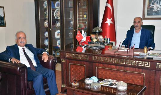 Rektör Çomaklı'dan Başkan Yücelik'e ziyaret