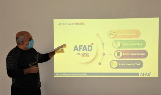 Sultanbeyli'de 2021 Afet Eğitim Yılı kapsamında 16 bin kişiye afet eğitimi verildi