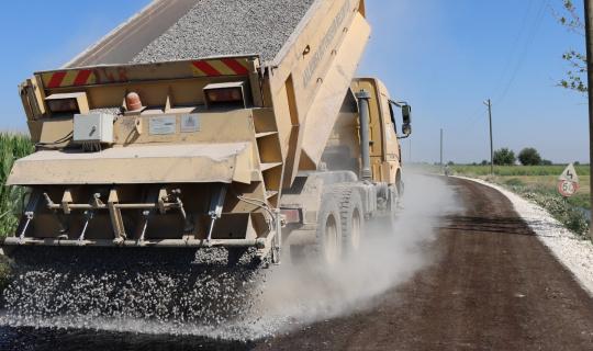 Suruç kırsalında asfalt yol çalışması