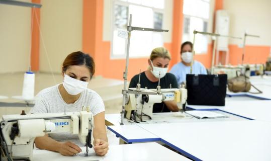 Tarsus Belediyesinin tekstli atölyesinde kadınlar istihdam edilecek