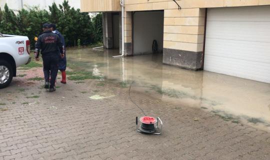 Ürgüp'te su basan evlere AFAD ve itfaiye ekipleri müdahale etti