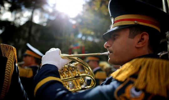 10 farklı bando takımından oluşan 324 bandocu İstiklal Marşı'nı çaldı