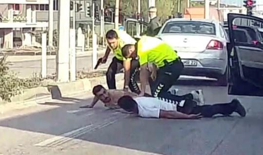 Bandırma polisinden kırmızı ışıkta nefes kesen operasyon
