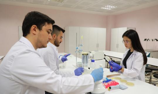 Bartın Üniversitesi öğrencileri biyoteknoloji proje fikirleriyle TEKNOFEST heyecanı yaşıyorlar