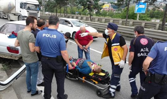Cenaze aracı ile otomobil çarpıştı: 1 yaralı
