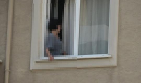 Eşini bıçakla rehin aldı...Bursa'da film sahnelerini aratmayan rehine operasyonu