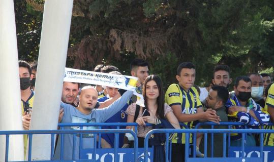 Fenerbahçe Hatay'da coşkuyla karşılandı