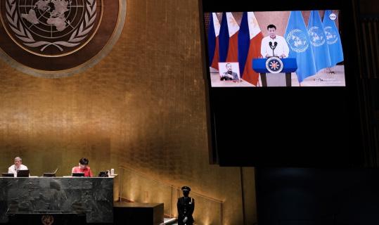 """Filipinler Devlet Başkanı Duterte'den zengin ülkelere """"aşı"""" tepkisi"""