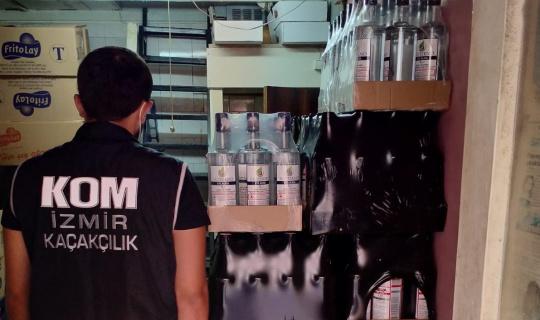 İzmir'de 400 bin liralık kaçak ürün ele geçirildi