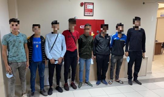 TEM'de durdurulan otomobilden 7 düzensiz göçmen çıktı: 1 tutuklama