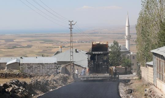 Van Büyükşehir Belediyesi, Beydağı Mahalle yolunu asfaltla buluşturdu