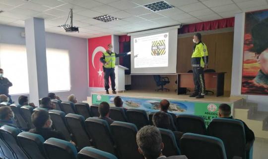 Adilcevaz'da servis şoförlerine bilgilendirme semineri