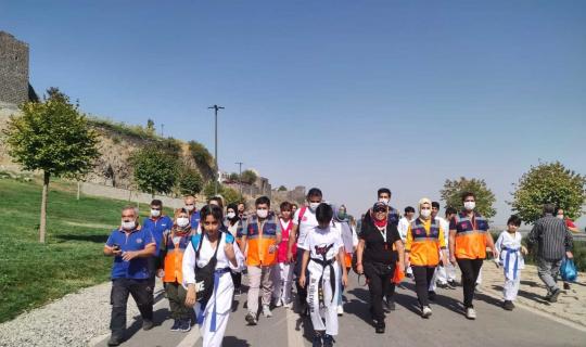 Diyarbakır'da 3-4 Ekim Dünya Yürüyüş Günü etkinliği düzenlendi.