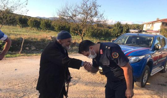 Jandarmadan yaşlılara ziyaret
