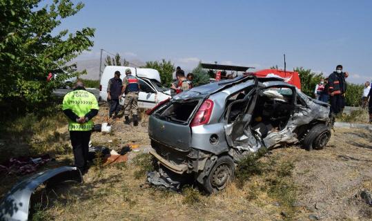 Malatya'da feci kaza: 3 ölü, 4 yaralı
