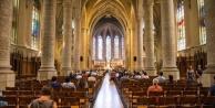 'İnsanlar Tanrıya İnanmıyor' Diyerek Kiliseyi Satışa Çıkardılar
