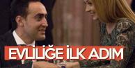 Şarkıcı Ece Seçkin ile Pilot Çağrı Terlemez Evliliğe İlk Adımı Attı