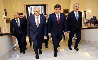 """Davutoğlu'ndan Flaş Binali Yıldırım Açıklaması: """"Ben Şehitleri Defnederken..."""""""
