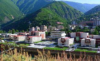 Artvin Çoruh Üniversitesi'ne Kadrolu İşçi Alımı (Güvenlik Görevlisi-Temizlik Personeli-Marangoz Elektrikçi)