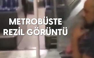 Metrobüste Rezil Görüntü! Maskesiz Bindiği Yetmedi, Ayaklarını Uzatıp Sigara İçti