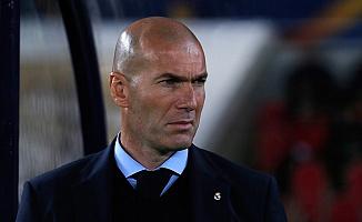 Real Madrid Teknik Direktörü Zidane Koronavirüse Yakalandı