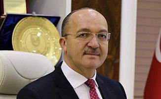 Prof. Dr. Halil İbrahim Zeybek Gümüşhane Üniversitesi Rektörü Oldu: Kimdir?
