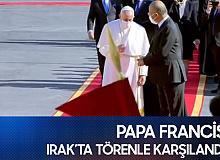Tarihte Irak'ı Ziyaret Eden İlk Papa olan Francis, Törenle Karşılandı