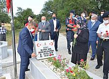 15 Temmuz Şehidi Barış Efe, kabri başında anıldı