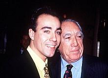Anthony Quinn'in oğlu Lorenzo Quinn Bodrum'u seçti